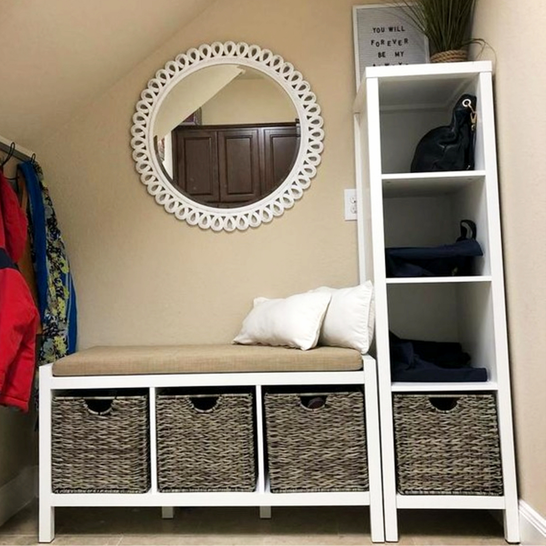 Create a mud room area to organize all the STUFF!  #gettingorganized #diyhomedecor #organizationideasforthehome