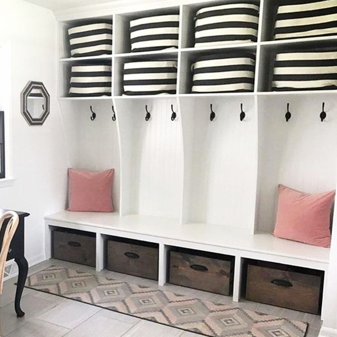 Mudroom designs and mud room ideas for your home  #diyhomedecor #gettingorganized #organizationideasforthehome