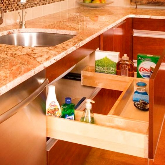 What a great use of space under your kitchen sink to declutter and organize your kitchen #gettingorganized #organizationideasforthehome #getorganized #cleaninghacks #kitchenideas #kitchenorganization #cleaningtricks #organizedhome #diyideas #diyinspiration #organizingtips