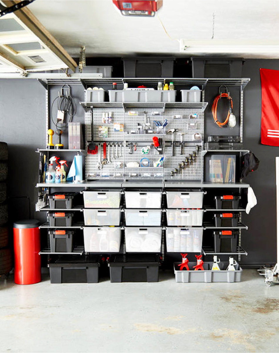 Garage organization and garge storage - before and after pictures of this garage organizing project #garageorganization #gettingorganized #organizationideasforthehome