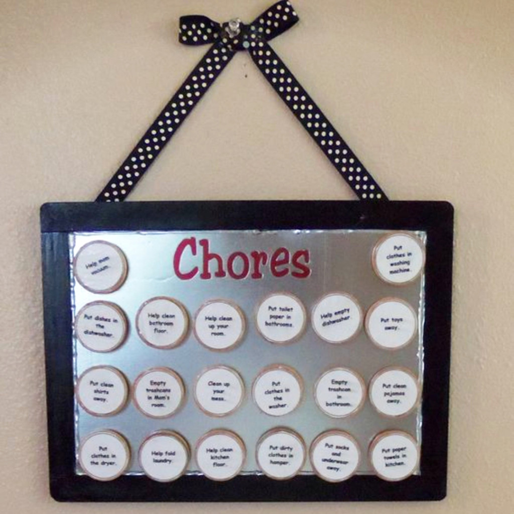 Family Chore Chart Ideas - Mom #goals - #getorganized with these #easydiy #chorecharts and #cleaningschedules - super smart #organizationideasforthehome - this family is #gettingorganized and #springcleaning